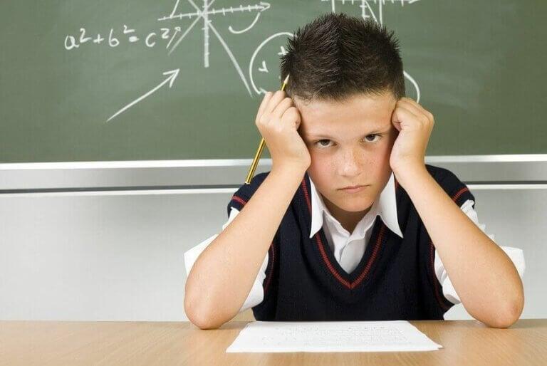 Hva du skal gjøre hvis barnet ditt får dårlige karakterer