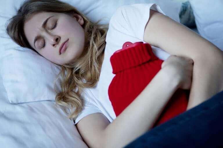 Uregelmessige menstruasjonssykluser: Årsaker, tegn og behandling