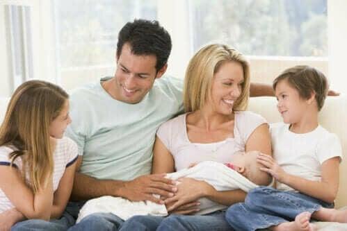 Hva du bør unngå når du besøker en nyfødt