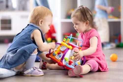 Aktiviteter for å utvikle barns sosiale ferdigheter