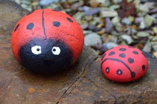 5 håndverk med malte steiner